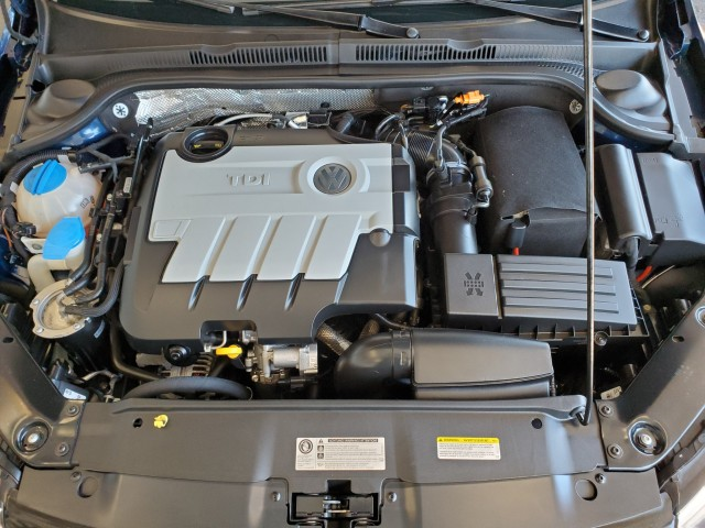 Pre-Owned 2014 Volkswagen Jetta Sedan TDI