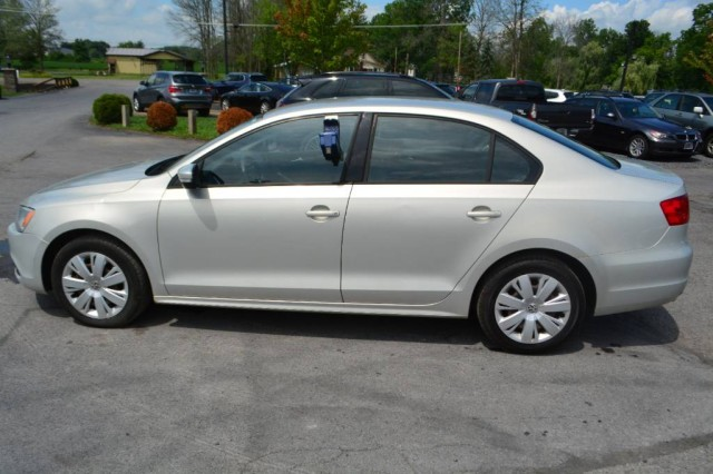 Used 2011 Volkswagen Jetta Sedan SE w/Convenience & Sunroof PZEV Sedan for sale in Geneva NY