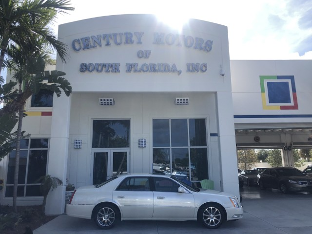 2008 Cadillac DTS SUNROOF LOADED LOW MILES in pompano beach, Florida