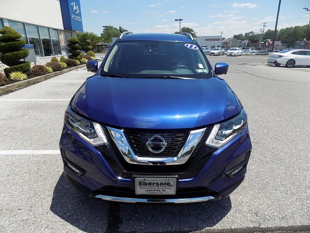 2017-Nissan-Rogue-SL