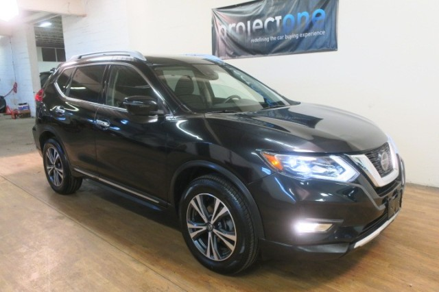 2018 Nissan Rogue SL in Carlstadt, New Jersey