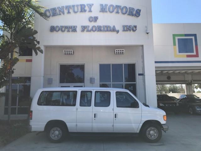 2005 Ford Econoline Wagon XL Passenger Van Original LOW MILES Vinyl Seats in pompano beach, Florida
