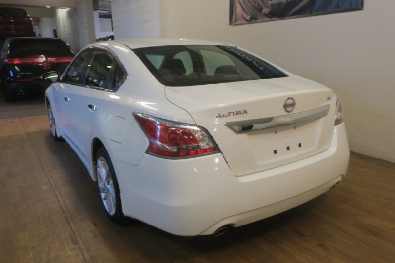 2015 Nissan Altima 2.5 SV in Carlstadt, New Jersey