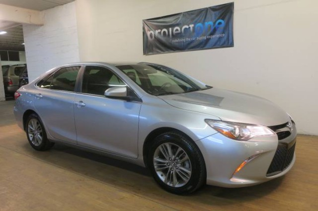 2017 Toyota Camry SE in Carlstadt, New Jersey