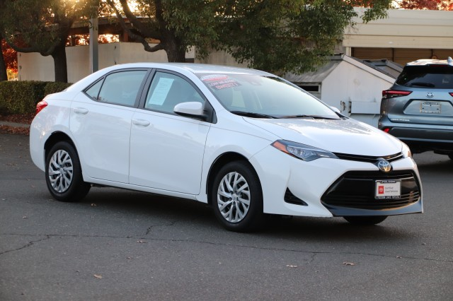 Certified Pre-Owned 2017 Toyota Corolla LE * ONE OWNER, TOYOTA CERTIFED FACTORY WARRANTY, TOYOTA SAFTEY SENSE, HANDSFREE PHONE TECHNOLOGY, DYNAMIC CRUISE CONTROL, LED HEADLIGHTS, KEYLESS ENTRY, ALLOY WHEELS