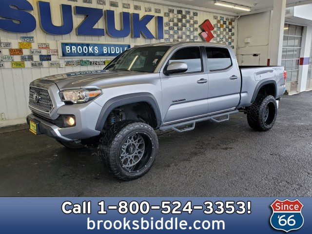 Pre-Owned-2017-Toyota-Tacoma-TRD-Off-Road