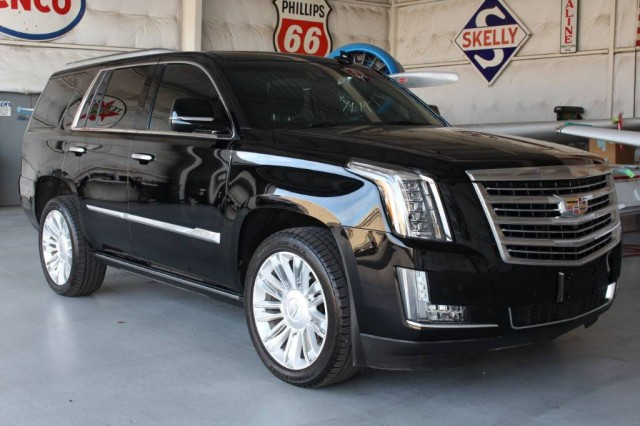 2016 Cadillac Escalade Platinum in Addison, TX
