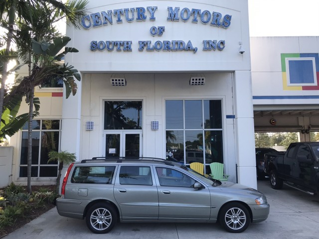 2006 Volvo V70 (fleet-only) 2.4L 1-Owner Heated Leather Sunroof Clean CarFax in pompano beach, Florida
