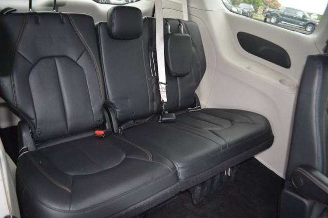 Used 2018 Chrysler Pacifica Touring L Minivan/Van for sale in Geneva NY