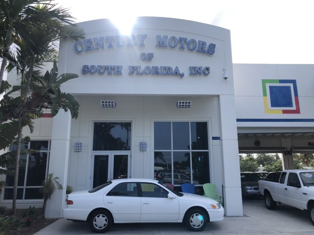 2000 Toyota Camry CE 1 OWNER LOW MILES in pompano beach, Florida