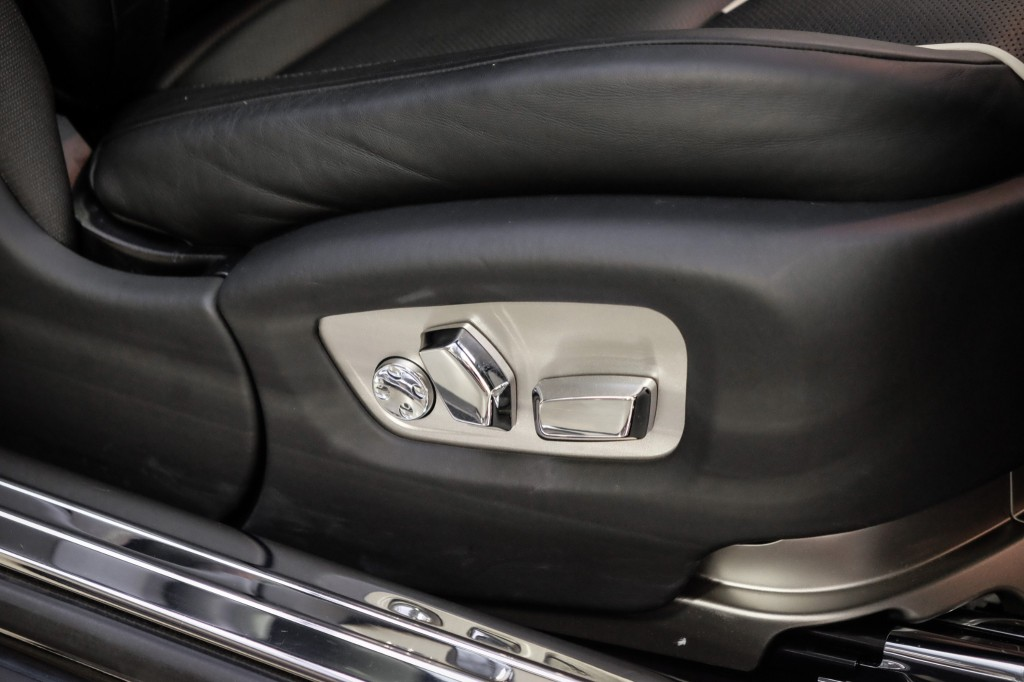 Pre-Owned 2014 Rolls-Royce Wraith Leather Heated Bucket Seats Modulare Wheels Lowering Links Extended Leather OneOwner