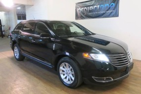 2017 Lincoln MKT  in Carlstadt, New Jersey