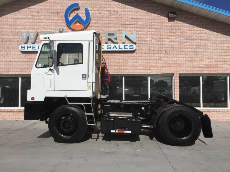 2006 Capacity TJ5000 Spotter Truck