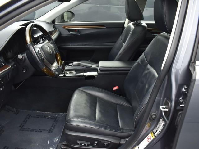 Pre-Owned 2013 Lexus ES 350 Luxury Navigation