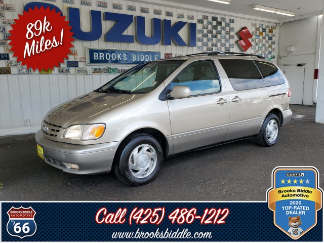 Pre-Owned 2001 Toyota Sienna XLE
