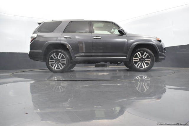 Certified Pre-Owned 2019 Toyota 4Runner Limited w/ VENT. SEATS