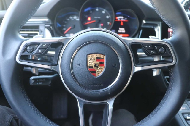 Certified Pre-Owned 2020 Porsche Macan