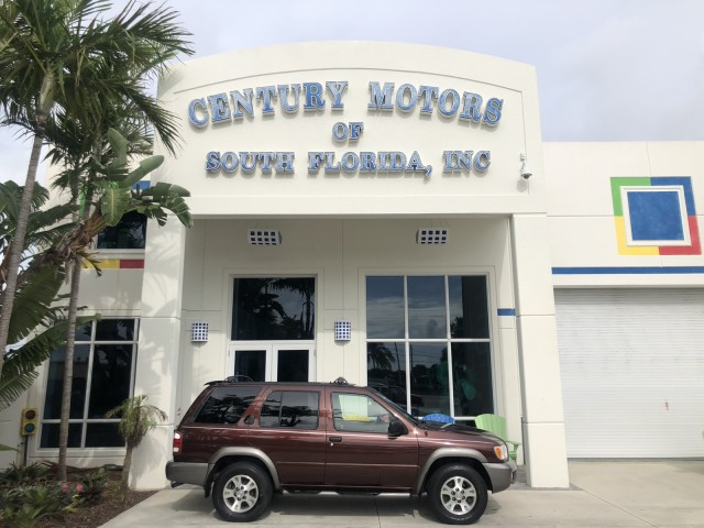2000 Nissan Pathfinder LOW MILES SE 57,347 ONE OWNER in pompano beach, Florida