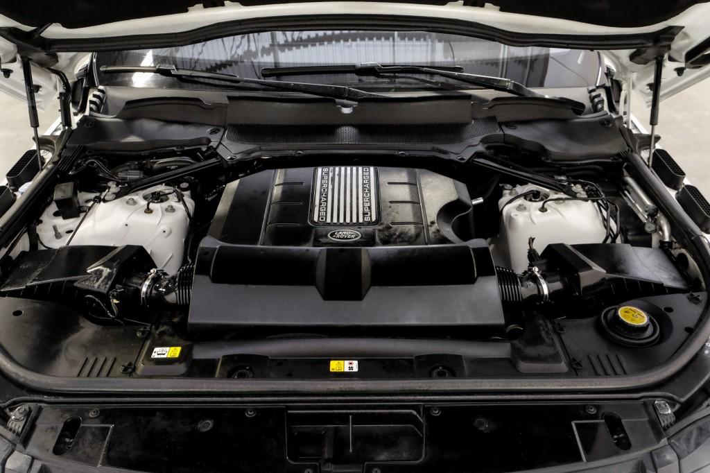 Pre-Owned 2017 Land Rover Range Rover HSE Meridian Surround Sound Vision/Drive PKG Black Design PKG