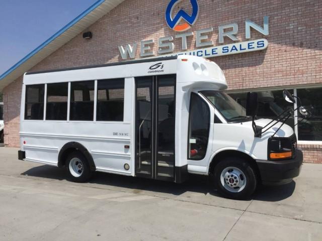 2009 GMC Savana Shuttle Bus