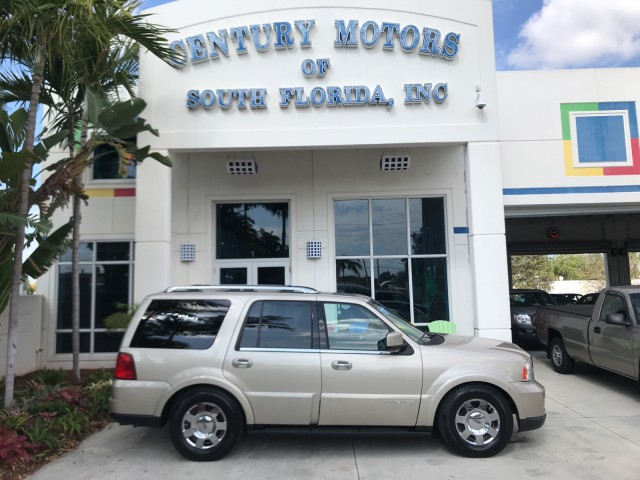 2006 Lincoln Navigator Luxury 4WD AWD Fully Loaded Michelin Tires in pompano beach, Florida