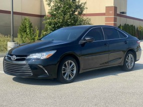 2016 Toyota Camry SE in Chesterfield, Missouri