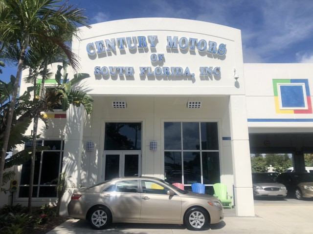 2007 Toyota Camry LOW MILES 37,586 XLE 1 OWNER in pompano beach, Florida