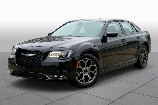 Used 2018 Chrysler 300