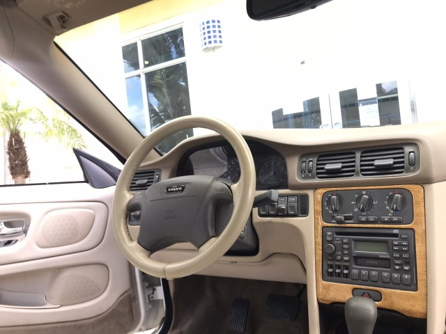 2004 Volvo C70 2-Owner Clean CarFax Fully Loaded Low Miles in pompano beach, Florida
