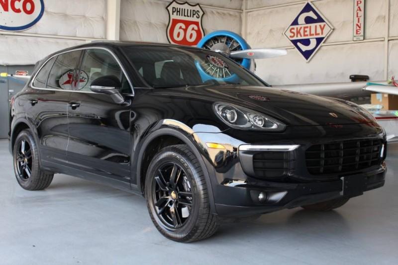 2016 Porsche Cayenne  in Addison, TX