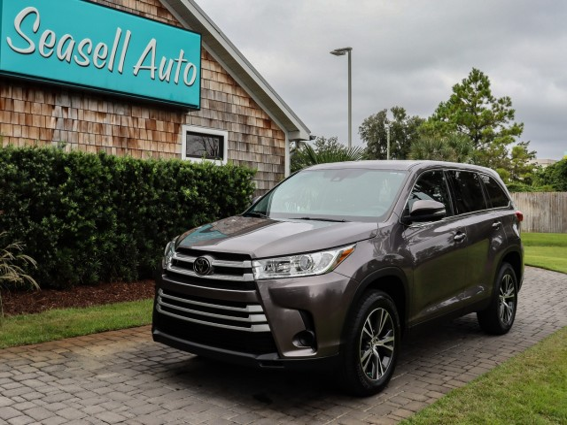 2019 Toyota Highlander LE in Wilmington, North Carolina