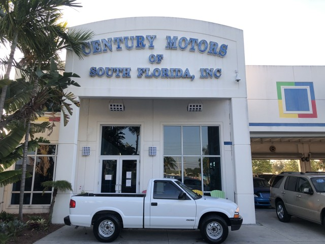 2000 Chevrolet S-10 v6, automatic, 2 owner, no accidents, bedliner in pompano beach, Florida