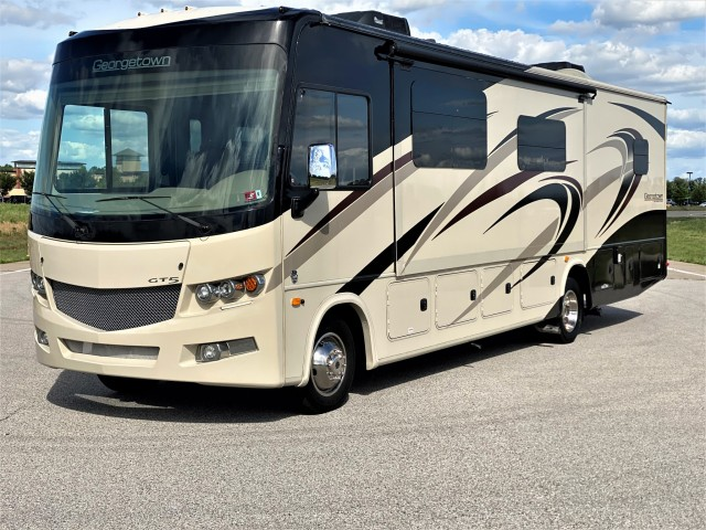2018 Forest River Georgetown GT5 31L5f in Chesterfield, Missouri
