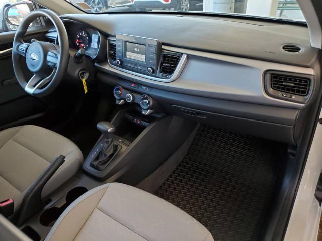 Pre-Owned 2018 Kia Rio 5-Door LX
