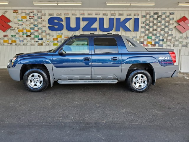 Pre-Owned 2002 Chevrolet Avalanche