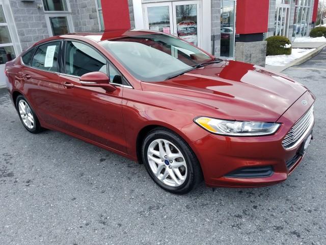 2014-Ford-Fusion-SE