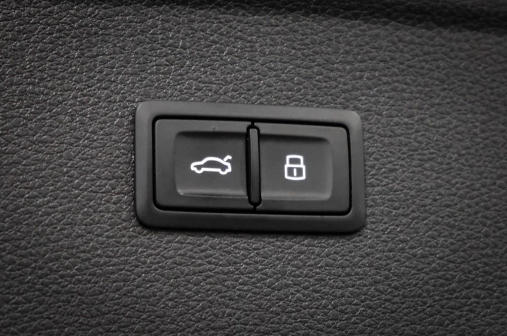 Pre-Owned 2018 Audi SQ5 Premium Plus Nav PKG Bang & Olufsen 21'' Sport Wheels New Tires