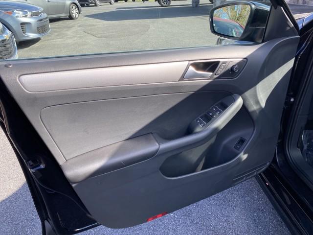 2015 Volkswagen Jetta Sedan 1.8T SE w/Connectivity/Navigation