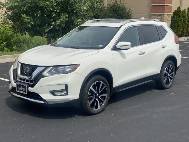 2017 Nissan Rogue SV in Chesterfield, Missouri