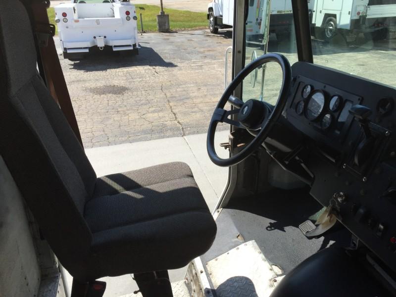2002 Freightliner P500 Step Van