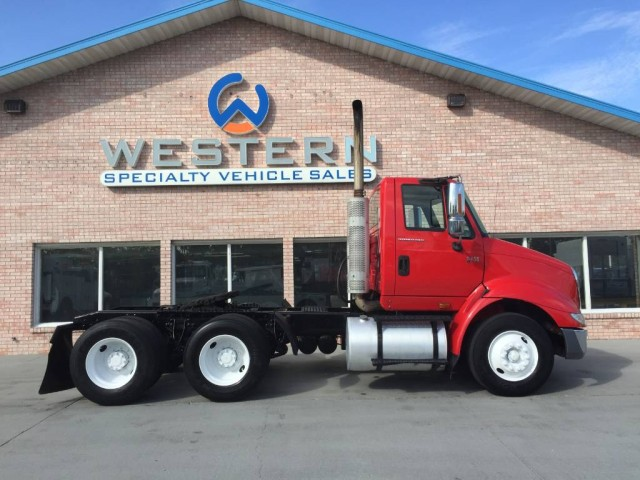 2007 International 8600 T/A Day Cab