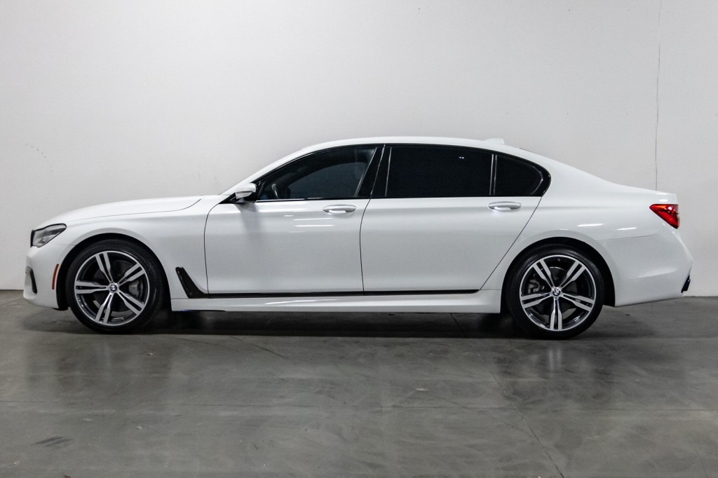 Pre-Owned 2019 BMW 7 Series 750i HeadsUpDisplay BackUpCam M-SportPKG 20''M-SportWheels Htd/ACSeats