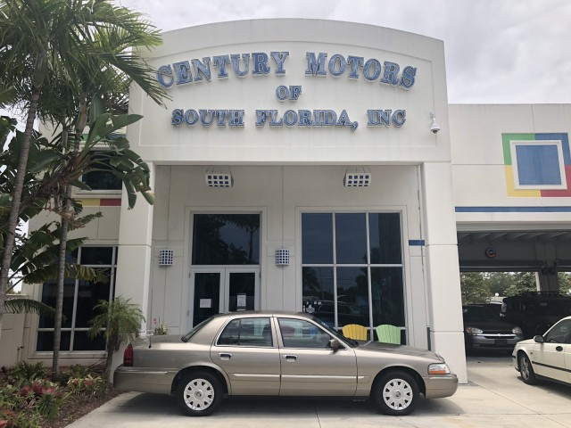 2005 Mercury Grand Marquis GS Leather CD A/C Cruise Power Seat Clean CarFax in pompano beach, Florida