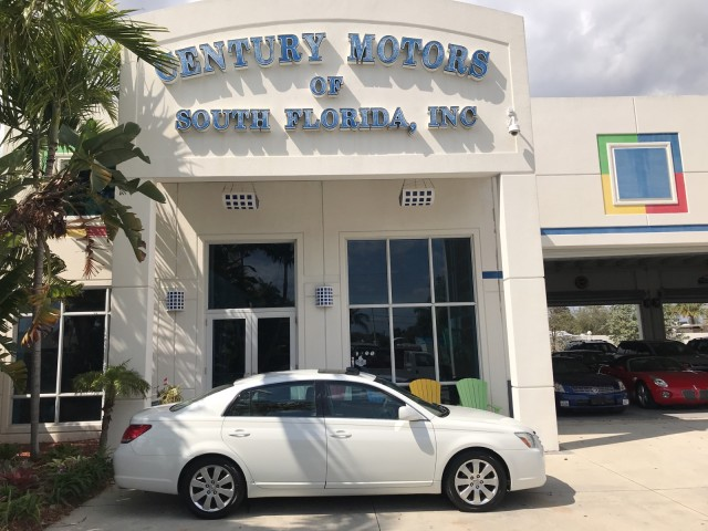 2006 Toyota Avalon XLS Leather Heated Seats Sunroof CD Cassette in pompano beach, Florida