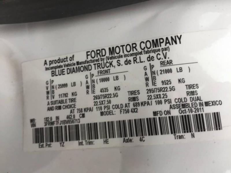 2011 Ford Super Duty F-750 Straight Frame XL