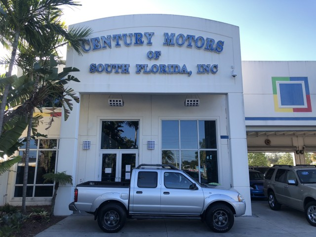 2004 Nissan Frontier 2WD XE, v6, 4 door, cloth, running boards, roof rack in pompano beach, Florida