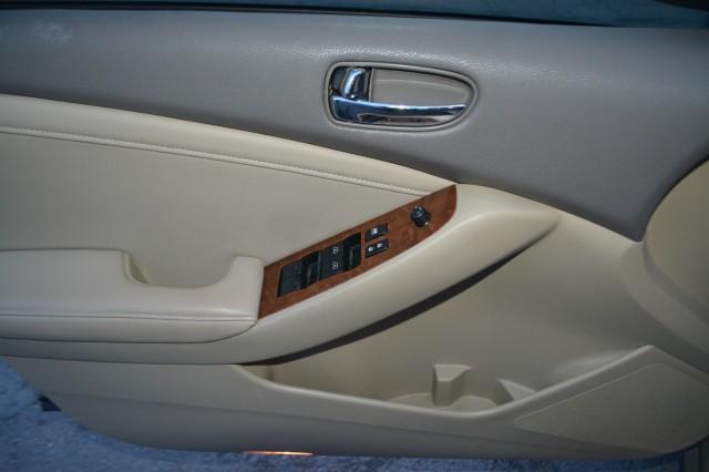 Used 2009 Nissan Altima 2.5 SL Sedan for sale in Geneva NY
