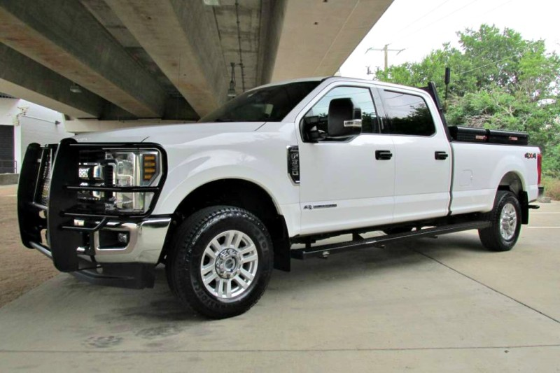 2018 Ford Super Duty F-350 SRW XLT in Farmers Branch, Texas
