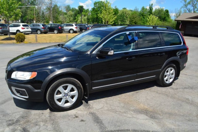 Used 2013 Volvo XC70 3.2L Wagon for sale in Geneva NY