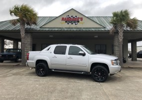 2013 Chevrolet Avalanche 4WD LT w/Black Diamond Edition in Lafayette, Louisiana